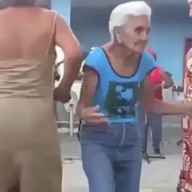 Old Dancing GIF - Old Dancing OldLady GIFs