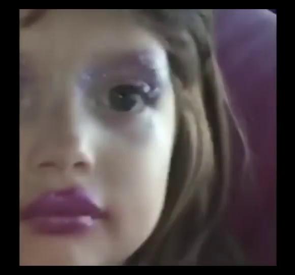 Creepy Girl Make GIF , CreepyGirl Make Up , Discover \u0026 Share GIFs